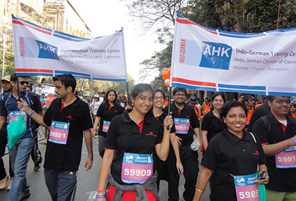 3-in-all-smiles-at-the-mumbai-marathon