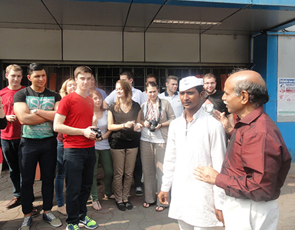 The Mumbai Dabbawallas have an engaging session at IGTC with the German Students