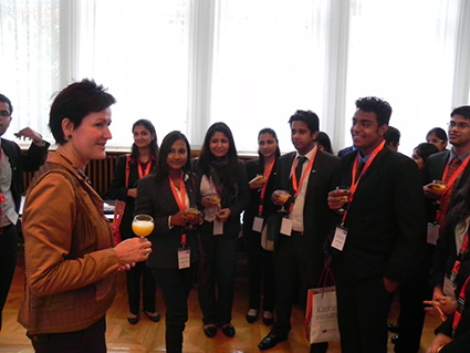 margret-mergen-karsruhe-interacts-with-the-igtc-students
