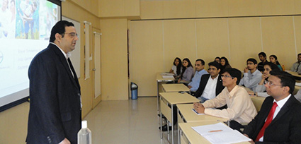 mr-percy-bamboat%2c-hr-bayer-group-in-india-presenting-to-the-class