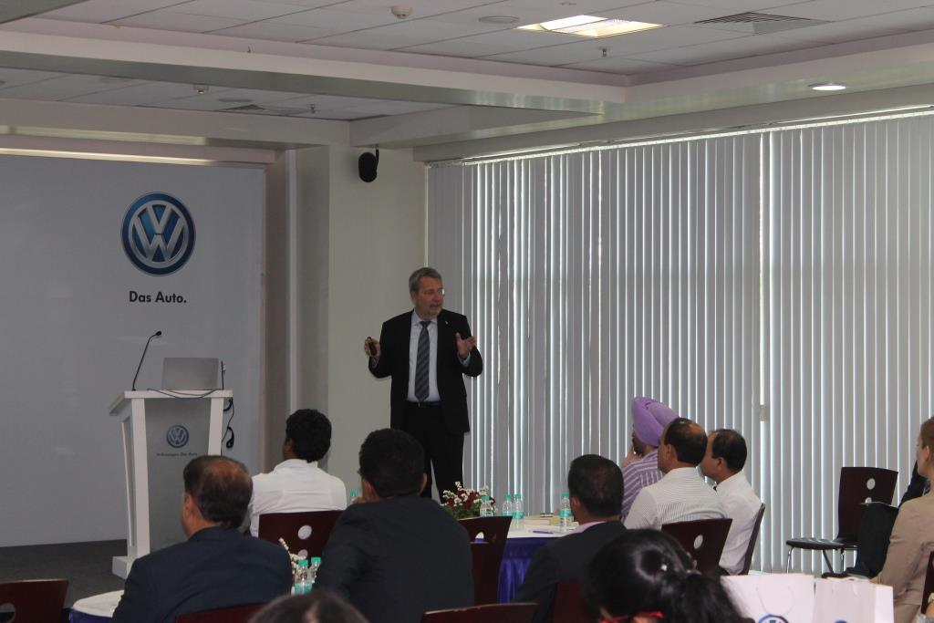 Mr. Peter Raussendorf, Executive Director - Human Resources, Volkswagen India extended a warm welcome to all the Indo-German HR Partners