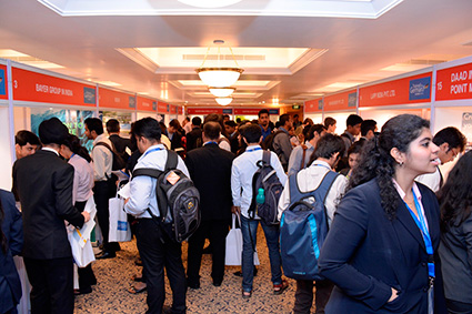 students-enthusiastically-meet-with-german-companies-to-gauge-career-opportunities