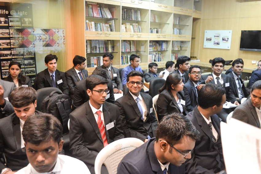 students-waiting-for-co-interview-2