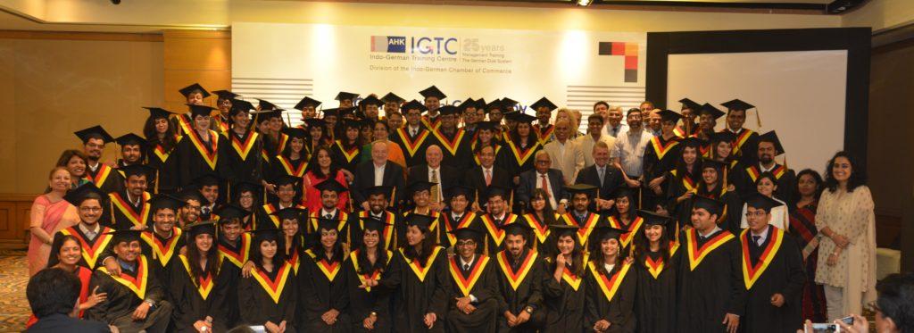 16 (22) a Graduating Batch 2015-2017