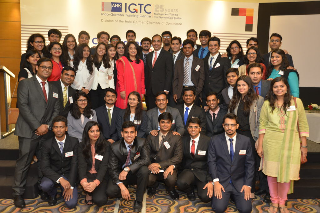 16 (28) Sunil Mathur, MD & CEO, Siemens Ltd. and Radhieka Mehta, Director, IGTC with PGPBA Batch 2016-2018