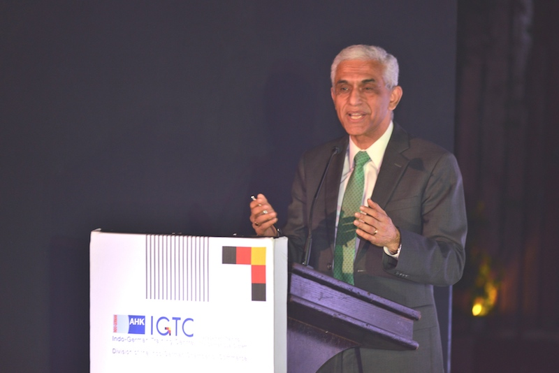 Ravi Kirpalani, Managing Director and CEO, Thyssenkrupp India and Guest of Honour for the evening addresses the audience