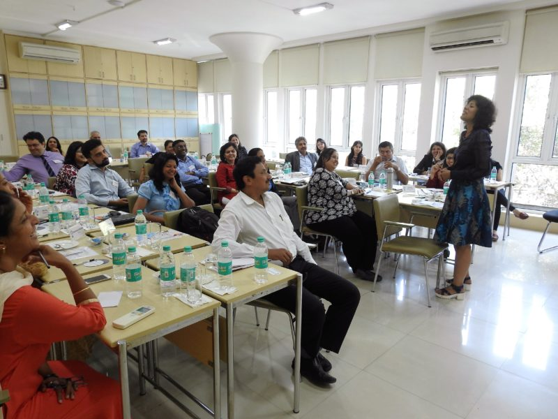 Surabhi Mittal, Vice President HR, Lanxess India Pvt. Ltd. moderates the round table debate on Role of Social Media in HR