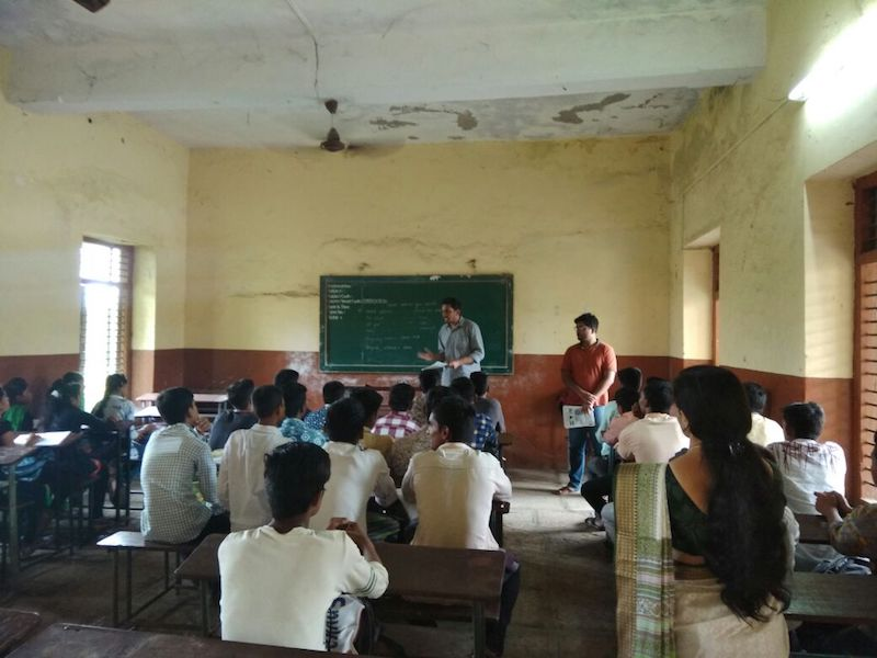 Trainees visited to an ongoing batch of BRIDGE class in Nashik